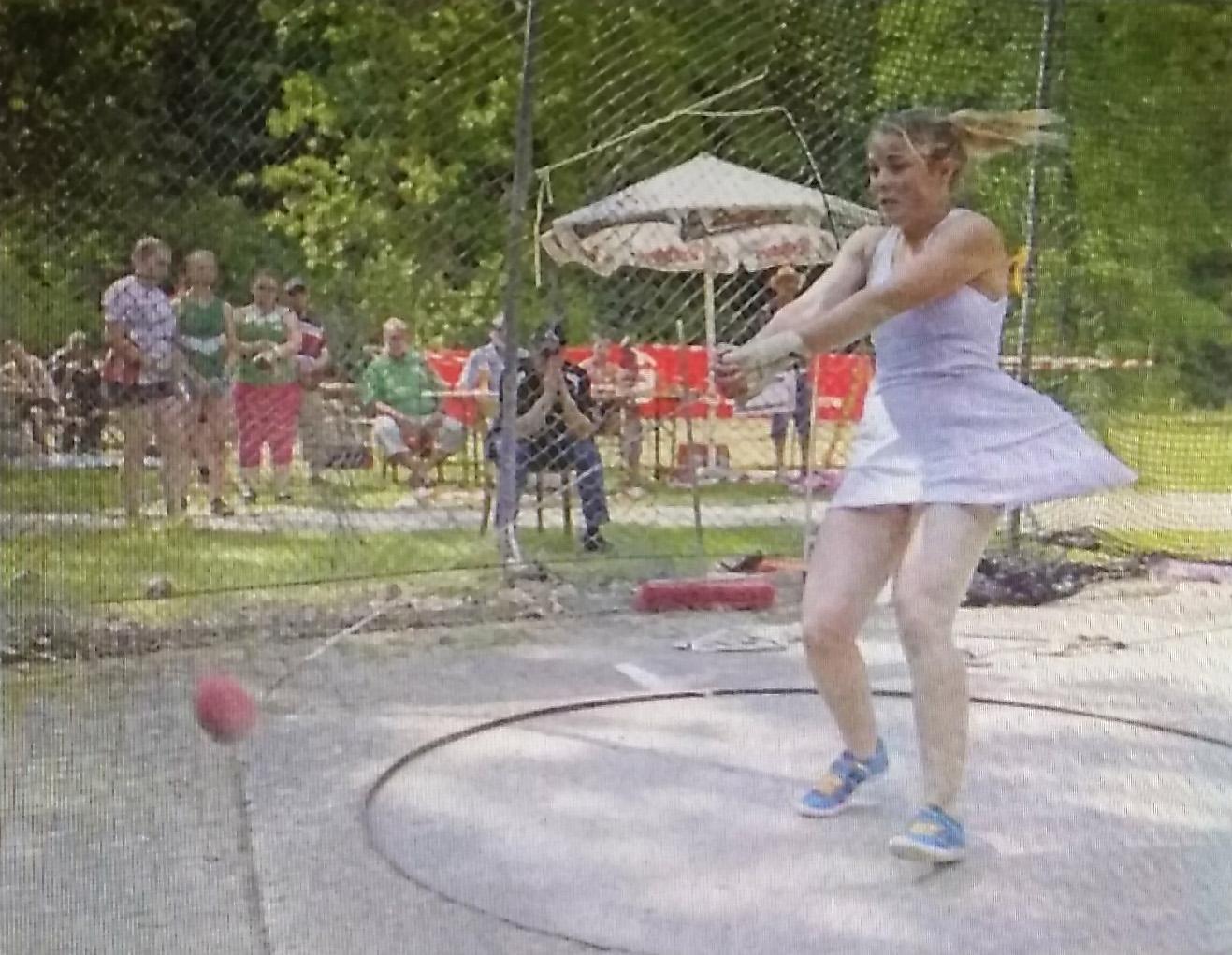 """4. Hammerwerfer-Wettkampf """"Werfen mit Musik"""" in Langenbrand 2015"""