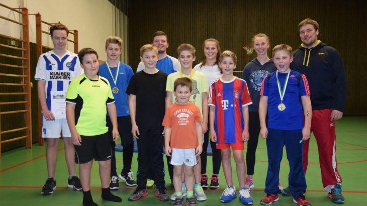 Die Rasenkraftsportler Jugendmannschaft des Turnverein Langenbrand