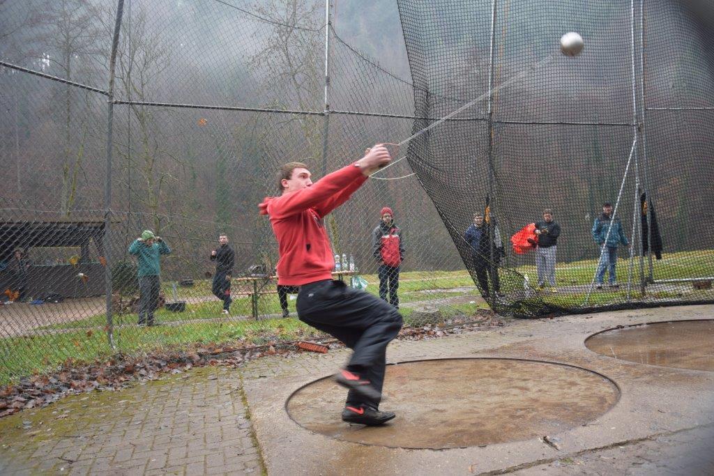 Silvesterwerfen in Langenbrand (2)