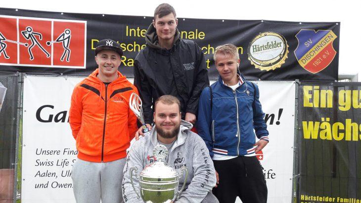 Bundesliga-Pokal für Nachwuchs-Rasenkraftsportler aus Langenbrand (1)