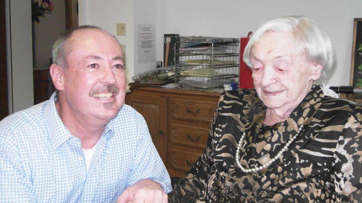 Dorothea Saur an ihrem 95. Geburtstag