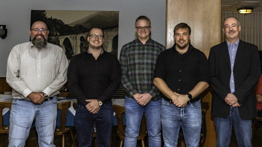 Das neue und alte Vorstandsteam des TVL