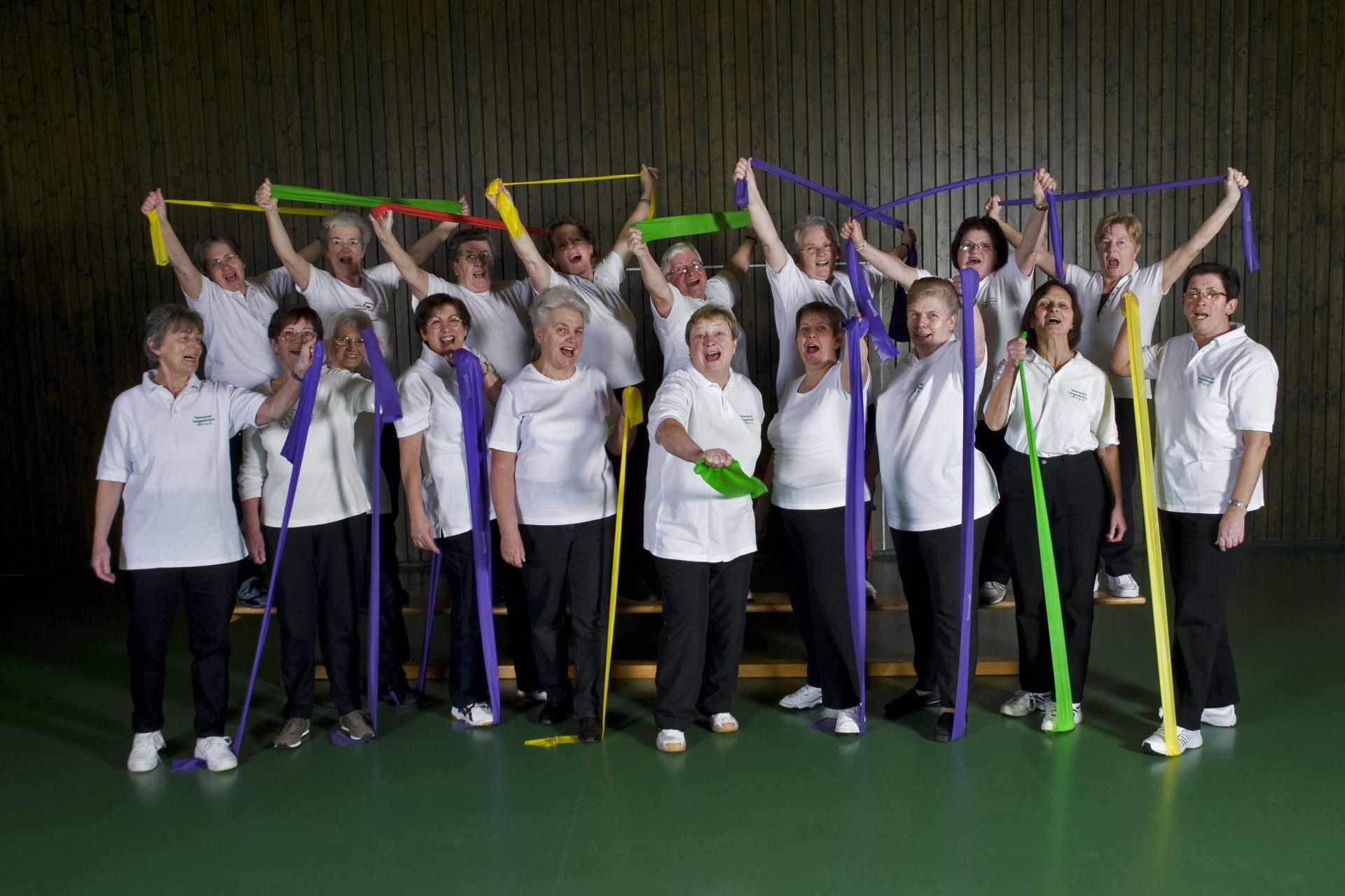 Hausfrauenturnen (Gruppe 2) im Jahr 2010 (02)
